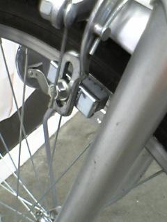 自転車の前輪のブレーキ